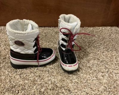 Toddler girls snow boots size 10