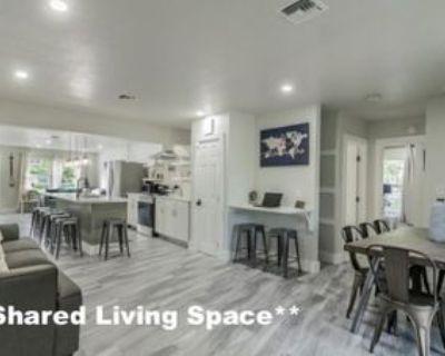 8698 Charleville Blvd, Beverly Hills, CA 90211 Studio Apartment
