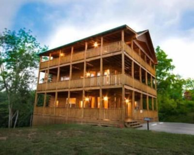 Mountain Lake Lodge - Five Bedroom Cabin - Sevierville