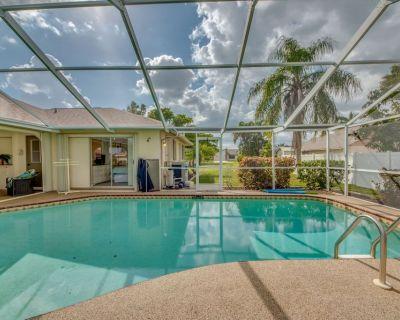 Air Hockey, Foosball, Popcorn Machine, Dart Board & Heated Pool - Villa Breezy - Cape Coral - Pelican