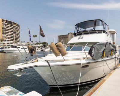 Carver Yachts 355 Aft Cabin
