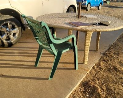 Presenting an Estate sale in Leona Valley. Lots of horse and ranch items