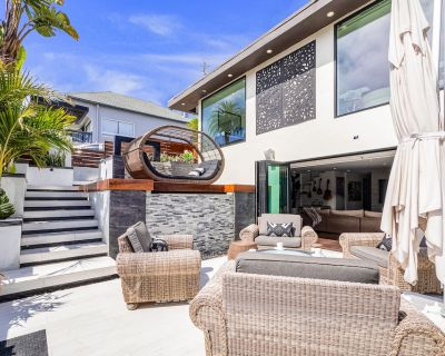 Amazing Two-level Home Overlooking Beach W/free Wifi, Private Hot Tub, W/d, Deck - Encinitas
