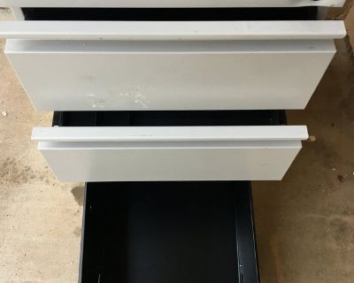 File Cabinet with drawers on wheels