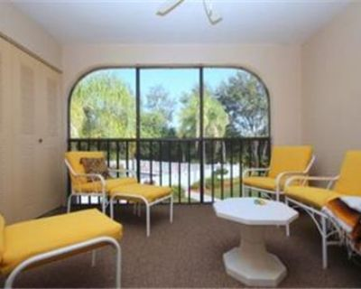 Nicely furnished 2/2 condo