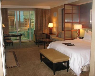 Owner Operated, MGM Signature, Balcony, Strip View, No Resort Fees, Free Parking - Las Vegas Strip