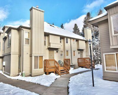 Cozy Ski Condo-4 Bedrooms 2 Bathrooms. Short Walk from Cabriolet - Park City