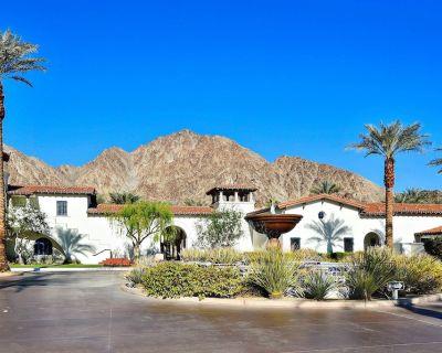 2/2 Upstairs Villa King Master Suite Queen Bedroom 2 Bath Kitchen Balcony VIEWS! - La Quinta
