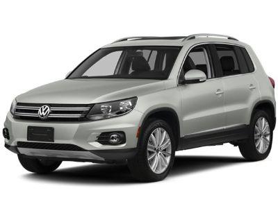 Pre-Owned 2012 Volkswagen Tiguan SE w/Sunroof & Nav FWD Sport Utility