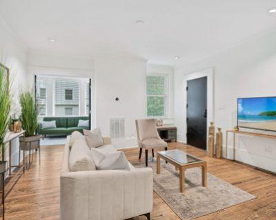Spacious Midtown Apartment with City View, atlanta, GA