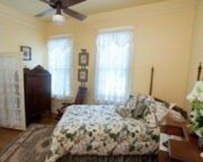 Stay Fairfield - Fairfield Place and Fairfield Manor Bed & Breakfast - Fairfield Historic District