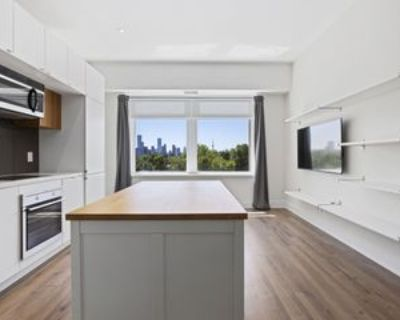 111 Saint Clair Avenue West #517, Toronto, ON M4V 1N5 1 Bedroom Condo