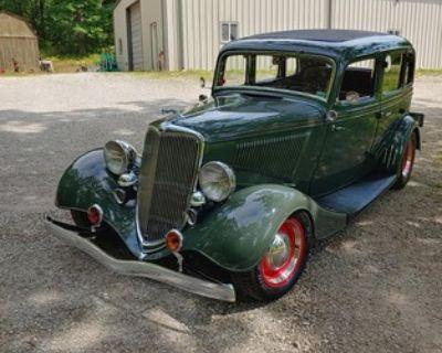 1934 Ford Model 40 4-door All-Steel Flathead V8 Sedan