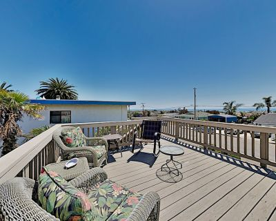 Ocean-view Retreat: Large Deck, Patio & Pool Table, Walk to Beach & Dining! - Grover Beach