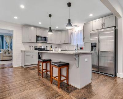 New!! The Craftsman Cottage - urban ATL retreat! - Hapeville
