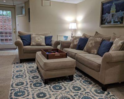 Lovely English basement apartment - Capitol Hill / Eastern Market - NEW LISTING - Eastern Market