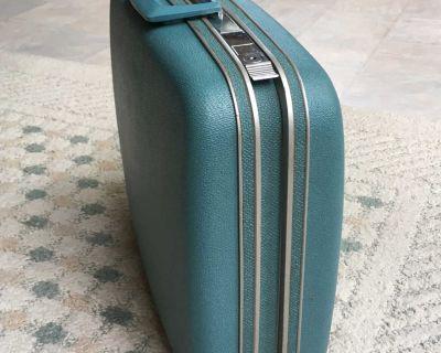 Samsonite Silhouette Ladies' Jet Pack Vintage 60s Hard Shell Suitcase