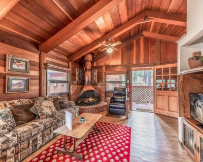 Deer Meadows: Adorable, Centrally Located Ruidoso Cabin with Private Hot Tub! - Ponderosa Heights
