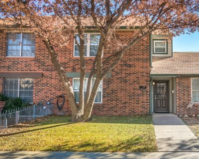 Charming Townhome with Three Master Suites - Amarillo