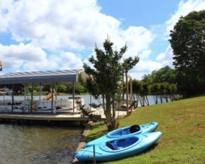 Lake Days are so much fun! Kayaks and more!! Book today! - Cross Hill