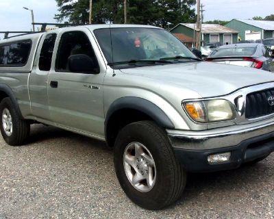 2004 Toyota Tacoma XtraCab V6 Manual 4WD (Natl)