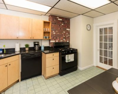 Beautifully furnished apartment with private deck