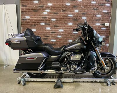 2017 Harley-Davidson Electra Glide Ultra Classic Touring Dimondale, MI