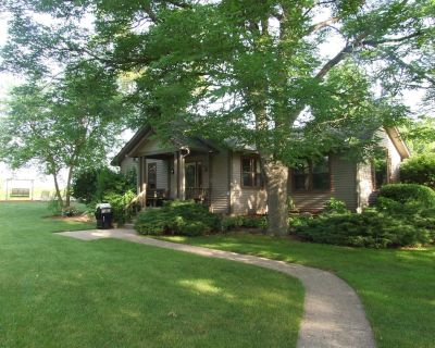 Two Bedroom Cottage On 2 Acre Stocked Pond Minutes From Downtown Indianapolis - Indianapolis
