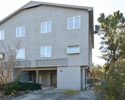 FREE ACTIVITIES INCLUDED!!! Ocean side duplex located in Tower Shores, this unit features 3 bedrooms, 2.5 baths - Tower Shores