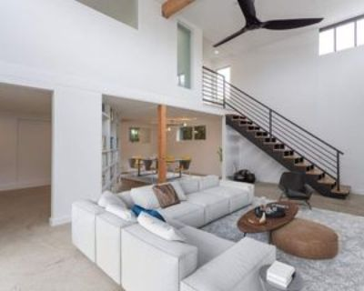 519 San Juan Ave, Los Angeles, CA 90291 3 Bedroom Apartment