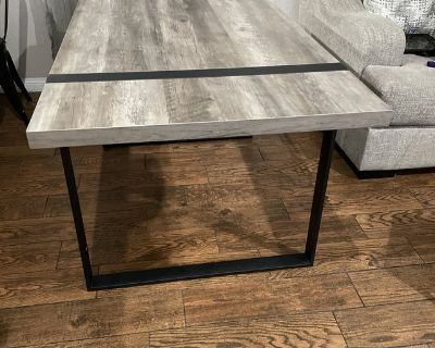 Washed gray dinning table