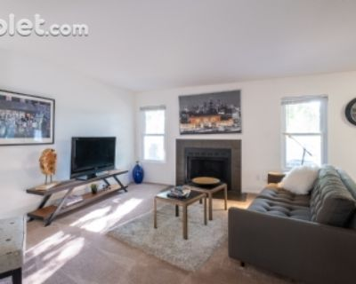 $1240 2 apartment in Overland Park