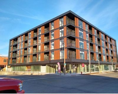 Sublease One Bedroom in Walker's Point- Brand New Building