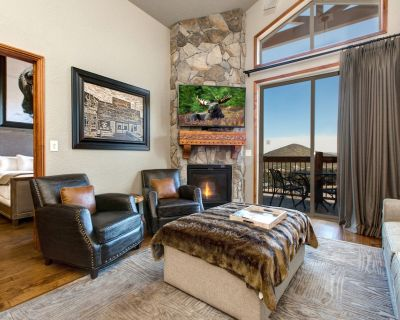 NEWLY REMODELED! Luxury Westgate Condo-Full Spa, Hot Tubs, Pools-Walk to SKI - Park City