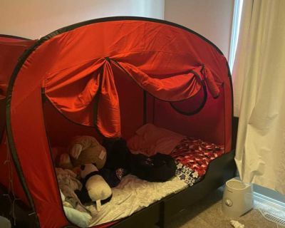 IKEA Extendable Children s Bed Frame & Privacy Pop Tent