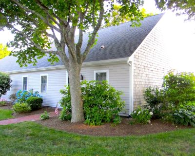 Charming Chatham condo - Oyster Pond views, water, pool and tennis court access - West Chatham