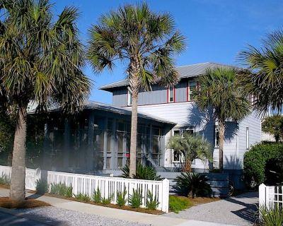 Wonderful Family Home, Steps From the Beach - Sunnyside