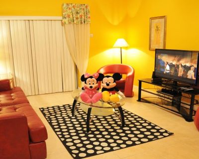 Top Pick! Spacious Townhome for Families w/ Private Hot Tub - Kissimmee