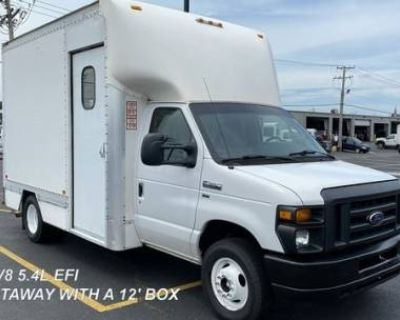 2015 Ford Econoline Commercial Cutaway E-350