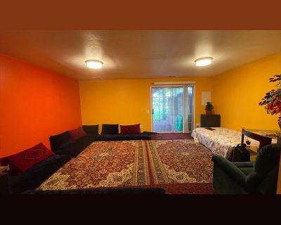 Room for rent in Parlor Square, Ashburn - Basement room for rent Ashburn VA