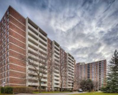 3120 Kirwin Ave, Mississauga, ON L5A 3R1 2 Bedroom Condo