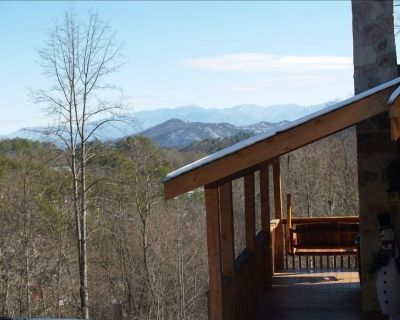 Luke11:33 6mile Dwntwn Pigforge~Pkwy-Hotub-Wifi- Husb/Wife Cleaners- Sanitized! - Pigeon Forge