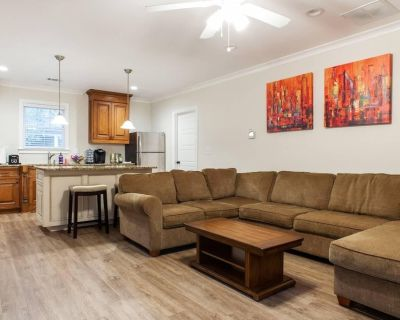 Spacious Guest House in the Heart of Midtown - Midtown