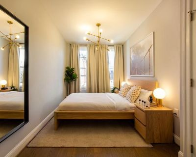 Furnished Private Queen Room in Petworth #289C
