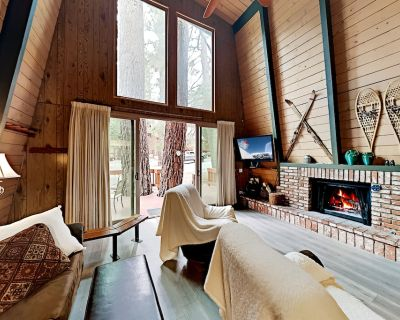 Hidden Gambrel | Charming A-Frame | Private Hot Tub, Grill, Fireplace - Moonridge