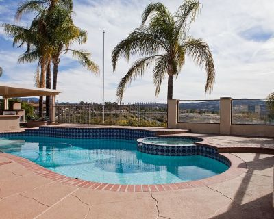Newly Renovated, Gated, Temecula Wine Country Ranch with Pool, Spa & View! - Temecula