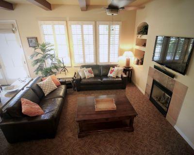 Unique End Unit with Lawn area! 3BR Legacy Villas #108345 - La Quinta