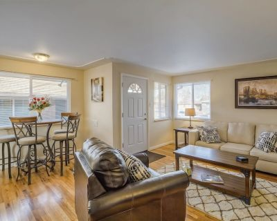 Beautiful Home, Easy Access to Everything! - Edgewater
