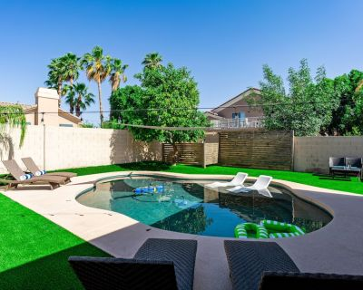 20% off until 8/31 - private heated pool, BBQ, arcade, fire pit!! - Dave Brown Arabian Estates