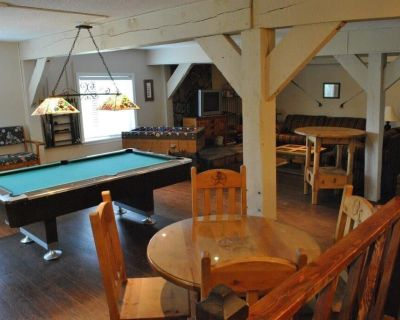 Family Retreat wit huge Gameroom, Great Mountain Views and 1/2 mile to Midtown! - Ruidoso